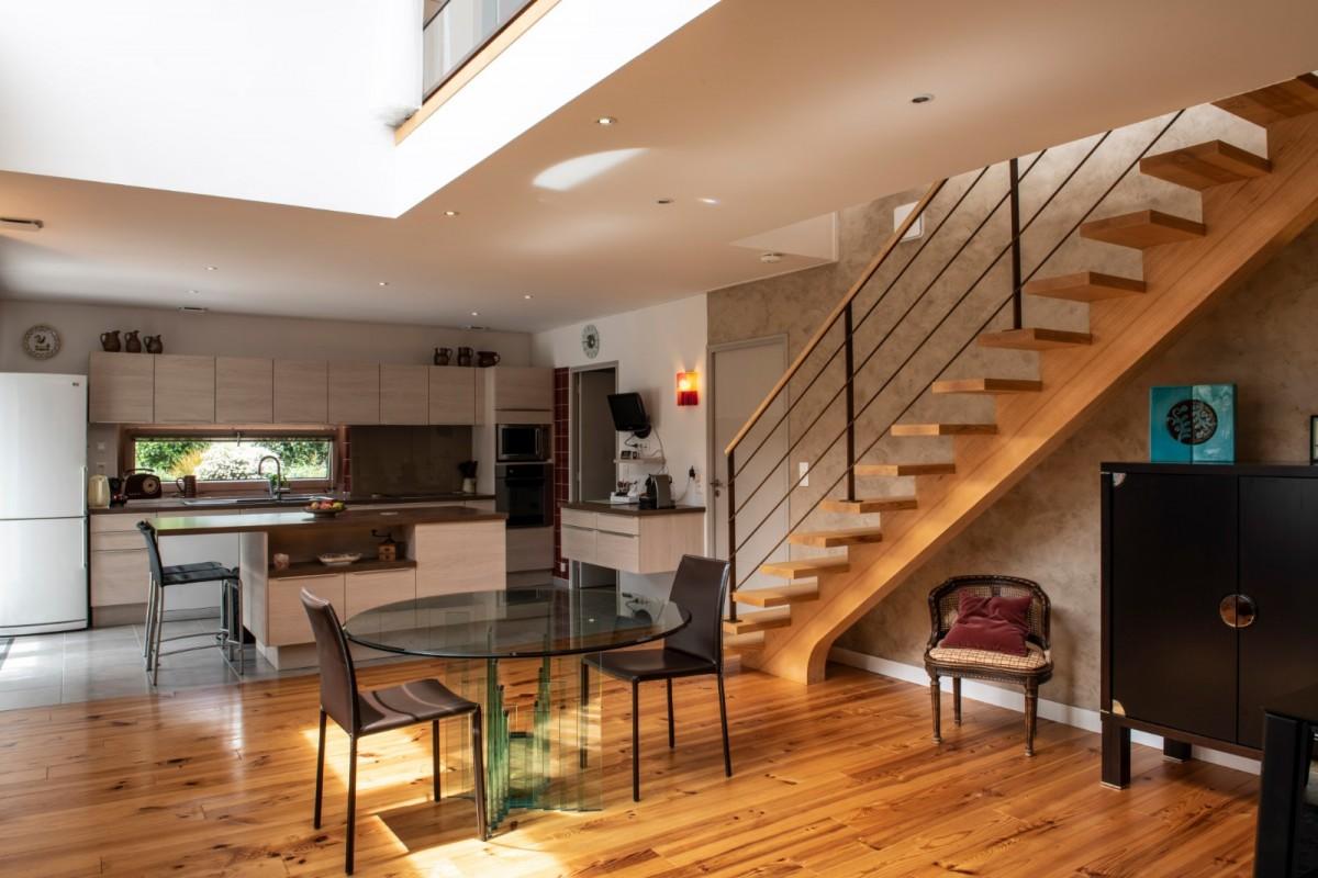 autrement_bois_construction_amenagement_maison_interieur_escalier_bois.jpg